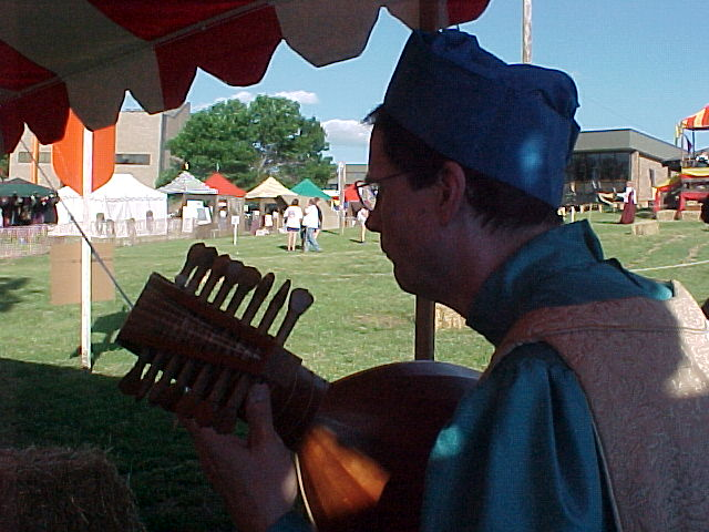 Antiqua member playing