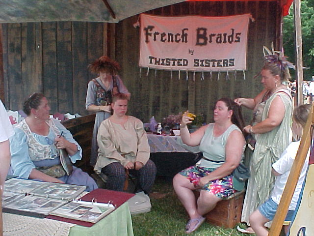 French braiding stand
