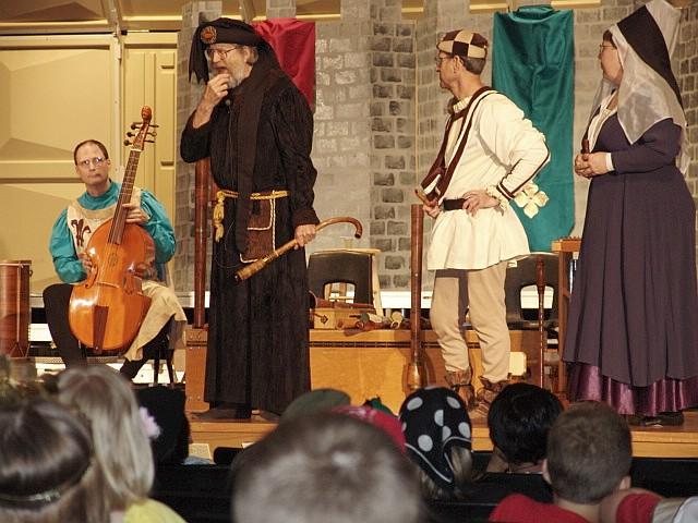 Antiqua on stage