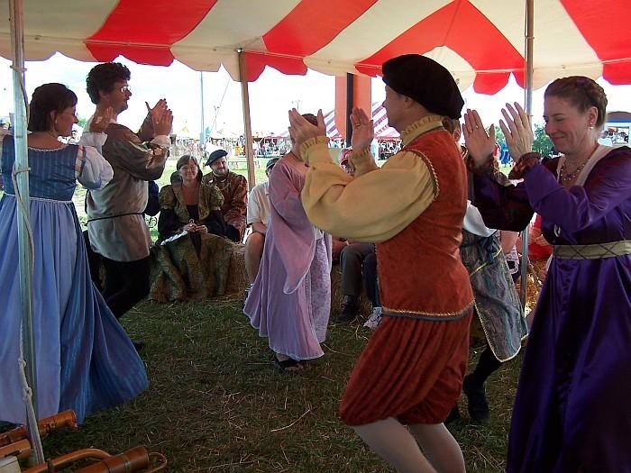 Musica antiqua dancers