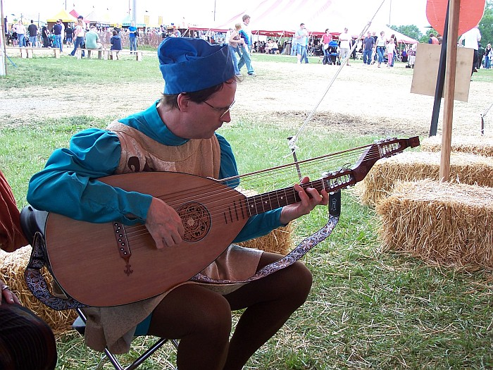 Steve on the lute