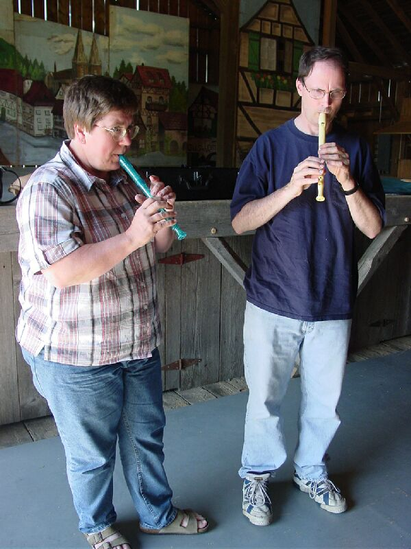 dee and steve on recorders
