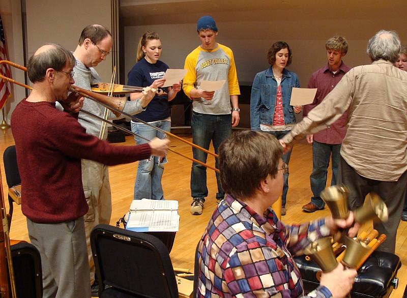 Dordt musicians singing with Antiqua