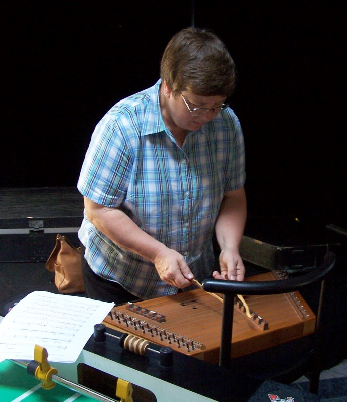 Dee with dulcimer