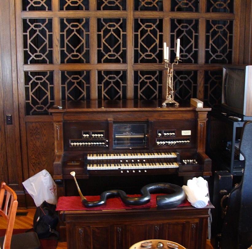 Etsey player pipe organ