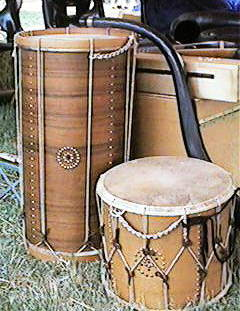 Set of 2 old drums