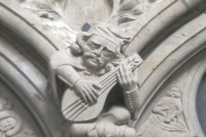 statue playing lute