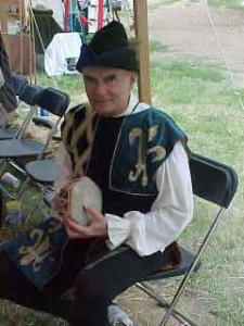 Rommelpost drum being played