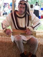 hurdy-gurdy being played